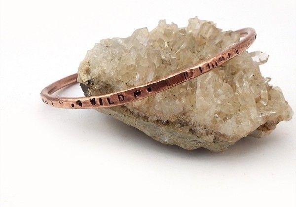 braccialetto di rame selvaggio modello tessitura a mano hippie