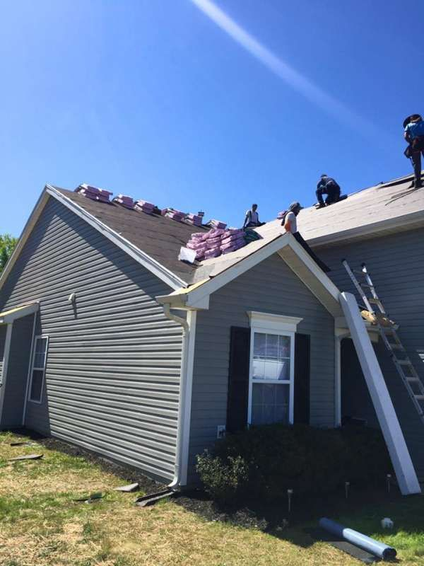Southern Restoration Inc Offers All Type Of Ceiling Leakage Roofing Services For Your Hom Siding Contractors Types Of Ceilings Residential Contractor