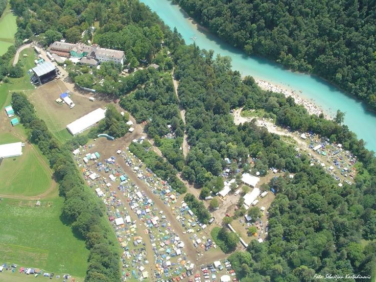 Šiluma ir Slovėnijos Alpių upė. Ir daug metalo.