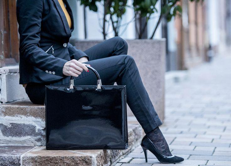 Az üzleti életben fontos az elegancia! Egész évben folyamatosan megújuló árukészlettel várunk webshopunkban.   www.ekszertaska.hu