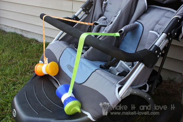 Oh my gosh, this is brilliant! DIY Sippy cup leashes. How many times have I done crazy yoga positions to retrieve a bottle thrown across the backseat?