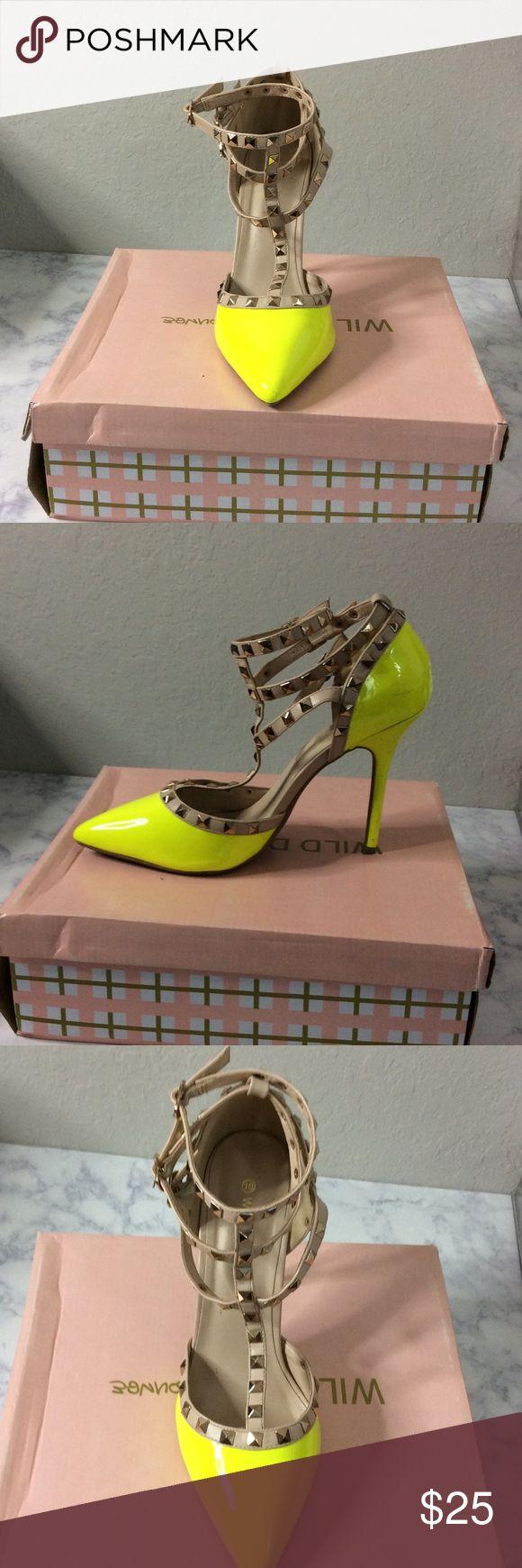 Hot Neon Yellow Pump! Beautiful and comfortable pump. Worn twice! Wild Diva Shoes Heels