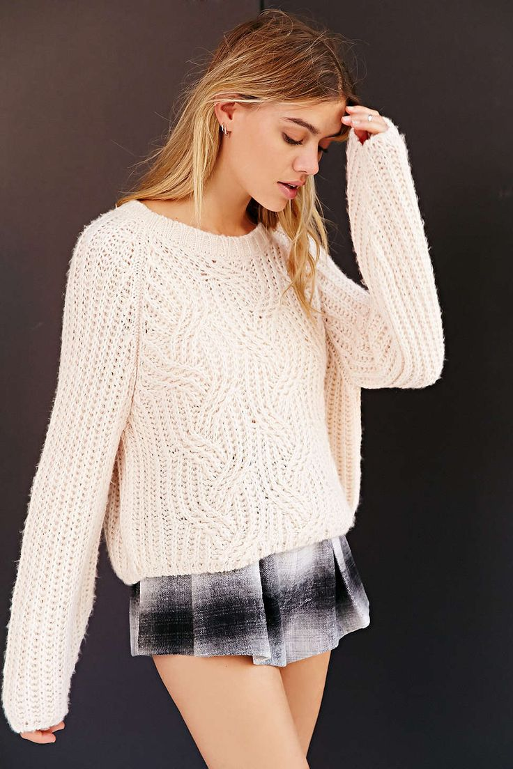 Kimchi Blue Bella Pullover Sweater from #urbanoutfitters so ffkkkn cute