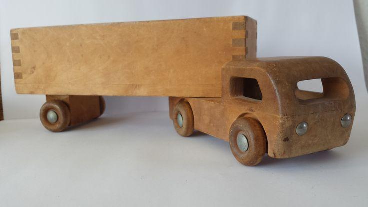 VTG Wooden toy Truck Jukka Made in Finnland