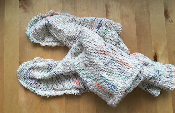 Recycle je oude trui: maak er warme sloffen van!