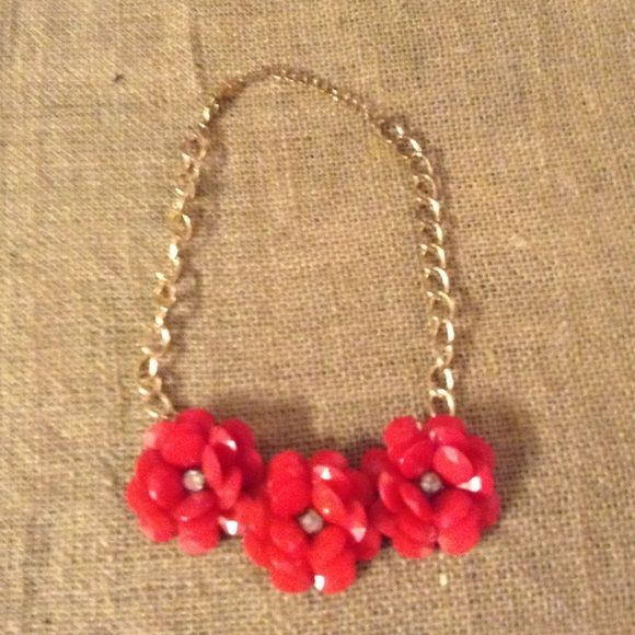 Red Necklace! Thick gold chain with red flowers! So gorgeous! Jewelry Necklaces