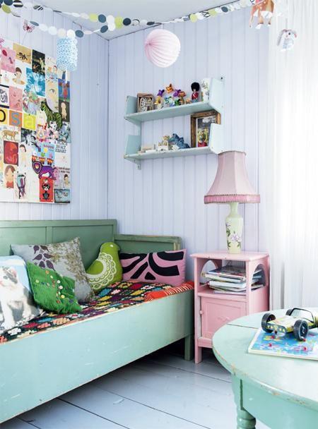 Vanhaa kunnioittaen, mutta tähän päivään tuotu sisutus. Iloisen värikäs ikikalenteri/Kalenteri vielä seinään! TALVIPÄIVÄN VALOLEIKKI | Koti ja keittiö