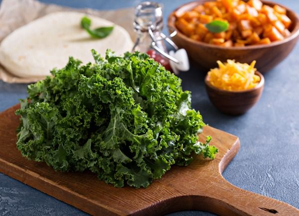 All hail kale! This powerful healthy-eating staple is an awesome veggie, but it can be a tricky leaf with one wrong turn. Scope out these tips for how to cook kale.