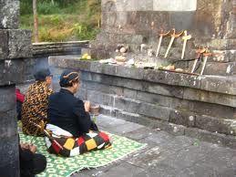 Kejawen Agama Dan Pandangan Hidup Orang Jawa