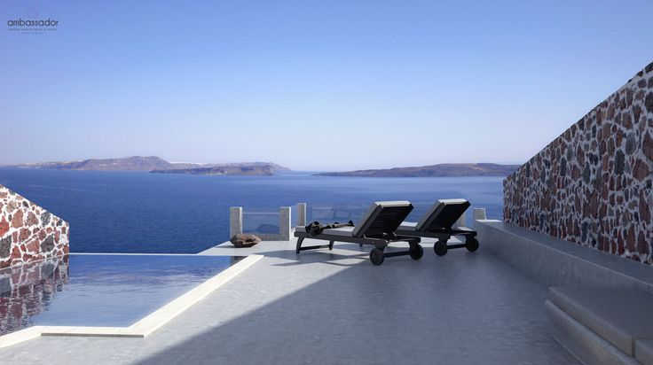 Gaze the Aegean from the best spot of the entire #Santorini !