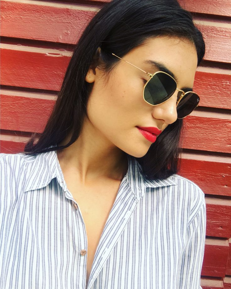 #raybans #red #lipstick #grandpashirt #oversized #brownhair #straighthair #fashion #summer