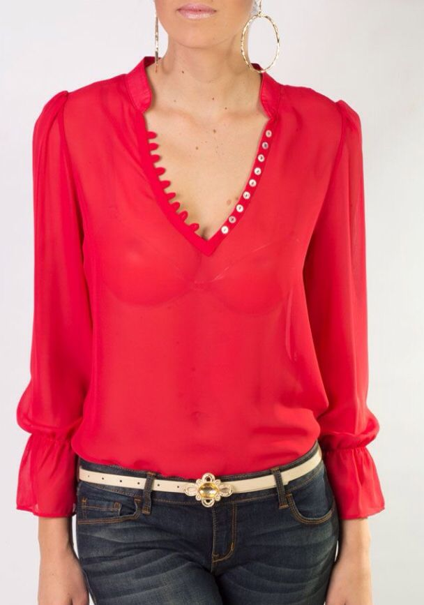 Blusa roja hermosa y elegante
