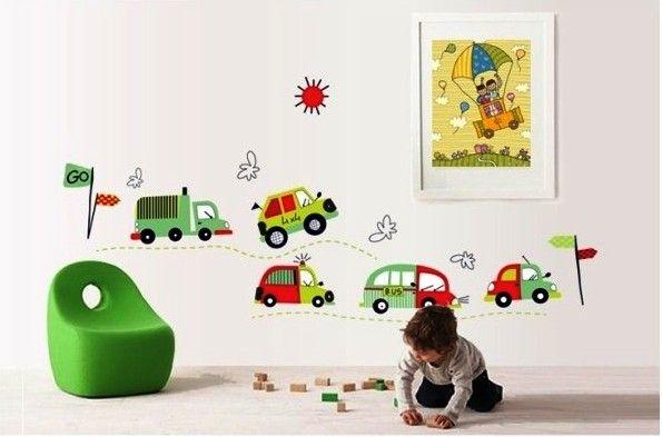 Vilken liten grabb vill inte ha alla de här söta bilarnapå väggen? Väggdekor till barn och speciellt pojkrum som bilar som motiv. Du bestämmer själv hur du vill montera väggdekoren och kan anpassa storlek som du vill. Motivet kommer i ett ark på 50*70 Höjd:ca. 50 cm Bredd:ca. 140 cm Material: Giftfri och vattentålig PVC …