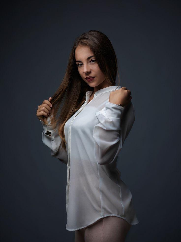 professional photography fashion photographer happiness makeup studio dress elegance portrait kids hasselblad profoto