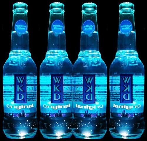 Drank this in England & it tastes like blue kool aid!!!