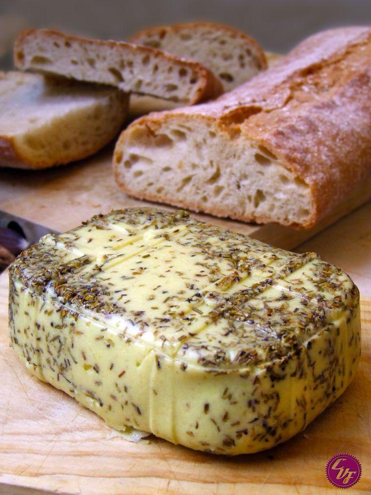 Agregamos a nuestra lista de quesos el famoso gouda. Ideal para derretir en pizzas, bocadillos calientes y lasañas. Receta para dos bloques de 220 grs cada uno. 200 grs de ... Read More