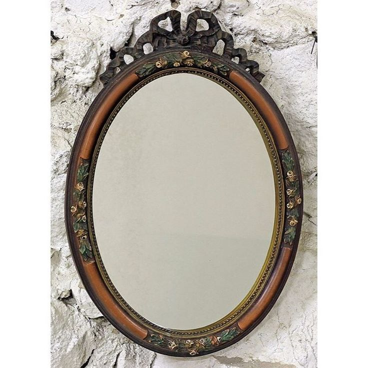 Винтажное овальное зеркало. 35 x 50 cm. Европа, ХХ век