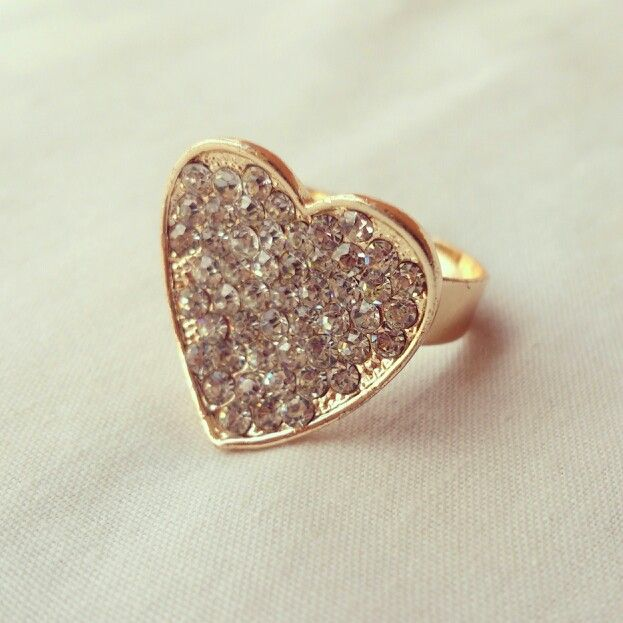 Heart and cristals rings. More on @lulamourr on instagram And Lulamour Accesorios on Facebook. Colombian brand