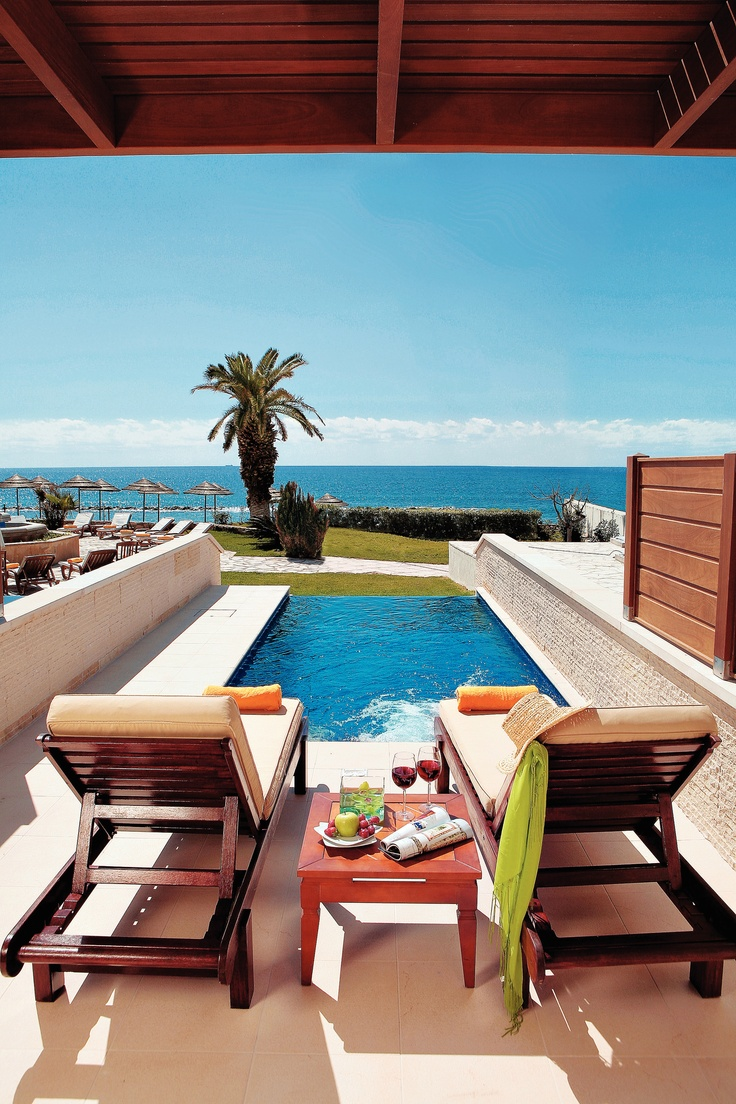 Anyone for a snack at the Alexander The Great Beach Hotel, #Paphos, #Cyprus? (http://www.thomascook.com/hotels/accommodationPage.jsp?_requestid=326926) It's on an award winning sandy beach only a short stroll from the centre of Paphos, and enjoys an unusally high number of returning guests year on year!