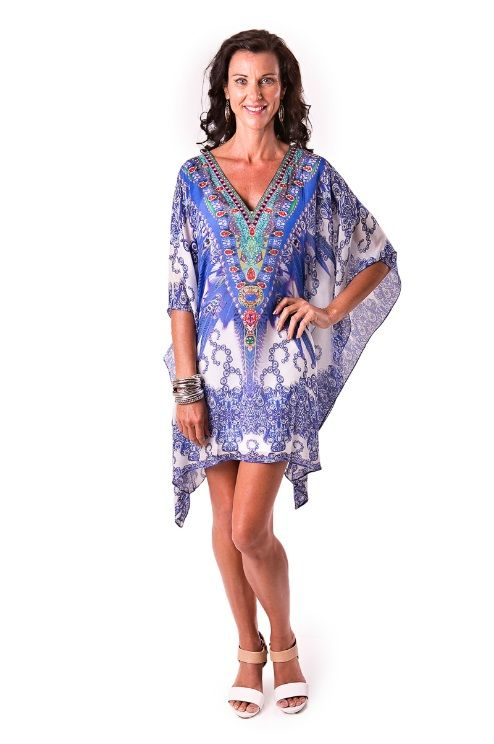 Focus on your assets - legs for days in beautiful kaftans laloom