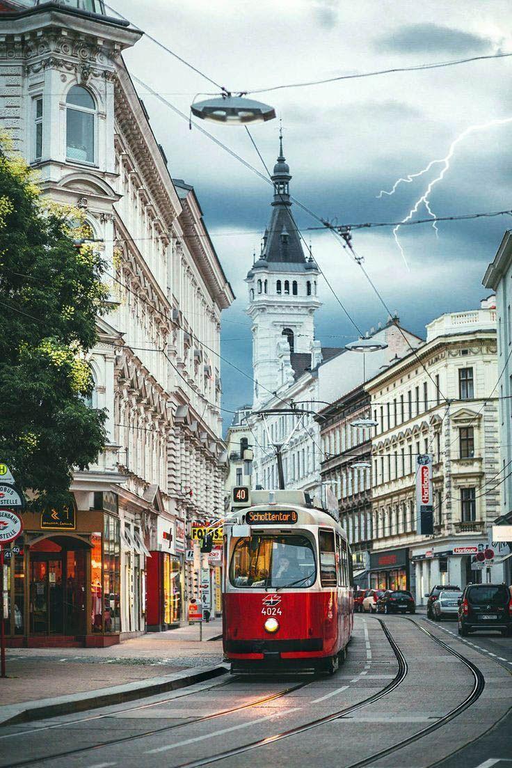 Top 7 Things To Do In Vienna Austria Vienna Plan Your Visit Castles In Vienna Austria Only On Travelarize Com Rund Um Den Globus Reisen Wien Urlaub