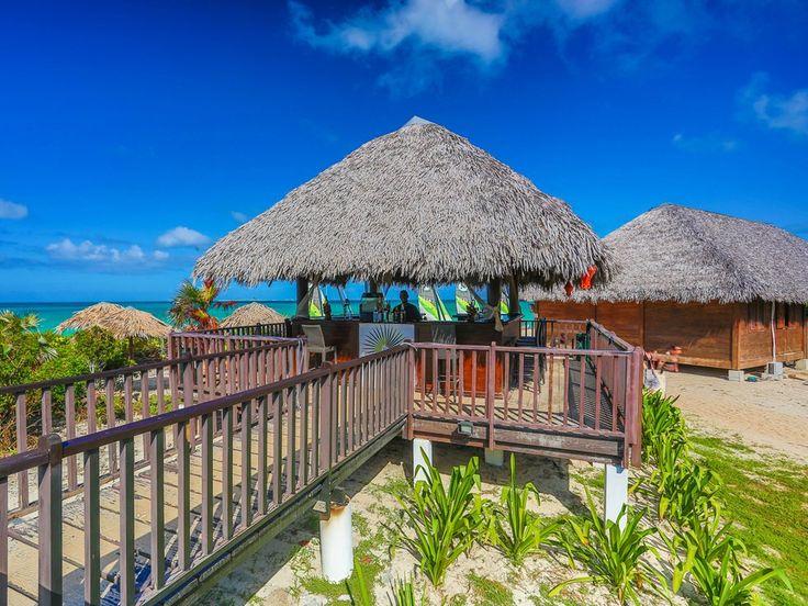 Beach Bar hotel Valentin Perla Blanca in Cayo Santa Maria. Cayosantamariacuba.net