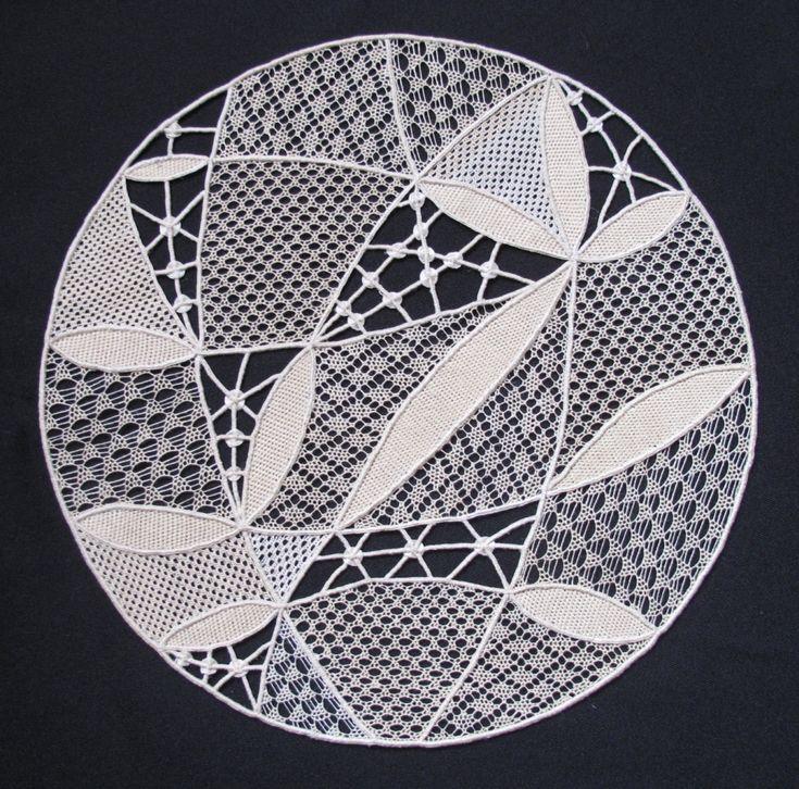 Needle lace, pattern from ŠÚUV Prague