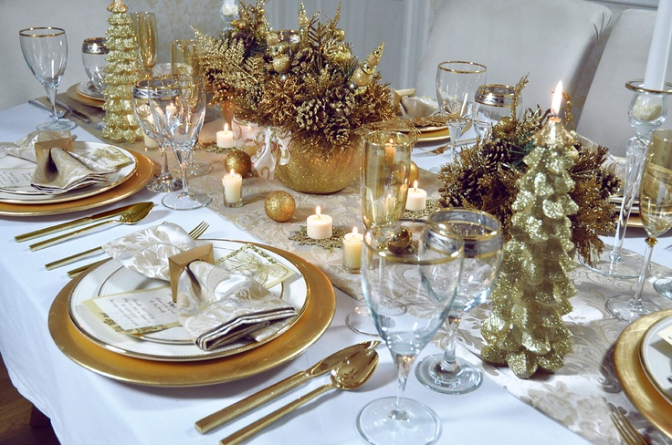 Gold Sparkly Christmas Table. Event Design by Exquisite Design Concepets