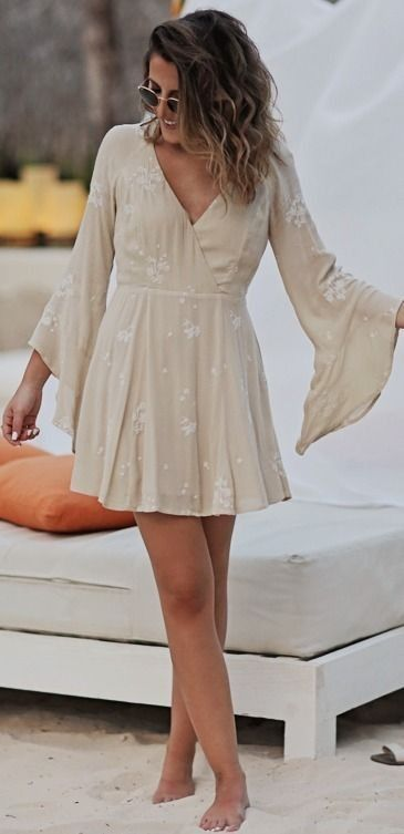 Beige Summer Dress | Beach Style | Stephanie Sterjovski