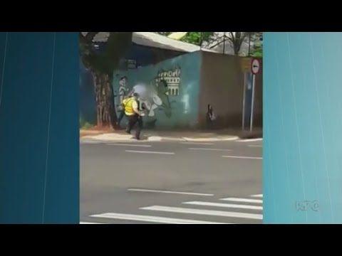 O EMPENHO: Agente de trânsito é agredido com chute nas costas...