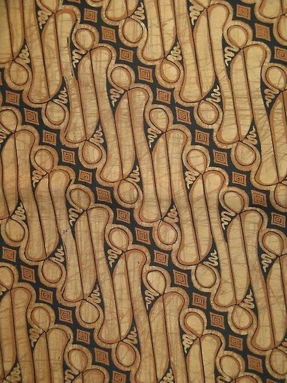Javanese batik in the parang style. Parang was once used exclusively by the royal courts of Central Java. It has several translations such as 'knife pattern' or 'broken blade'. The Parang design consists of slanting rows of thick knife-like segments running in parallel diagonal bands.