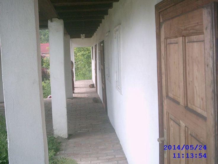 Tornácos, 3 szobás, palóc parasztház kedvező áron eladó, nagyméretű telken, a mátraderecskei Kincses Termálstrand közelében. http://dunahousematraderecske.ingatlan.com/20871720