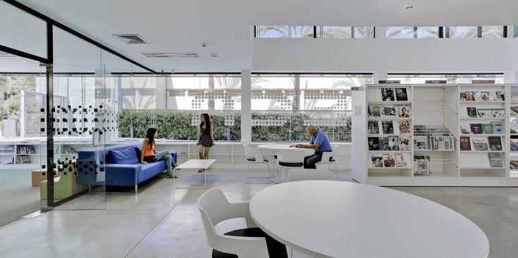 Biblioteca Pública Municipal y Centro Socio-cultural de Aduanas / Xàbia, Alicante, Spain