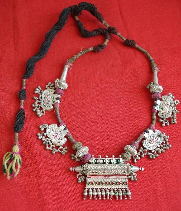 India | Vintage silver taviz amulet pendant necklace from Rajasthan