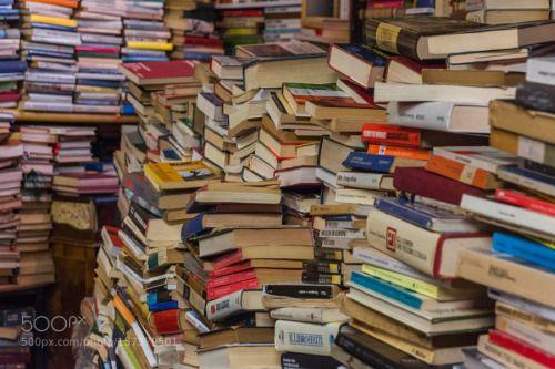 Libreria acqua Alta - Venezia - Cerca un titolo - the very... -  Libreria acqua Alta - Venezia - Cerca un titolo - the very unique library Acqua alta interior - by loziovincenzo - http://ift.tt/1VAUqlF