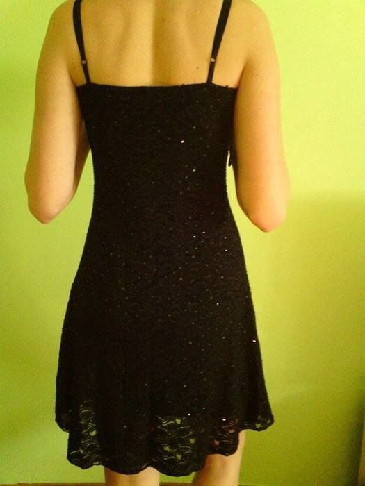 Černé krajkové šaty 2