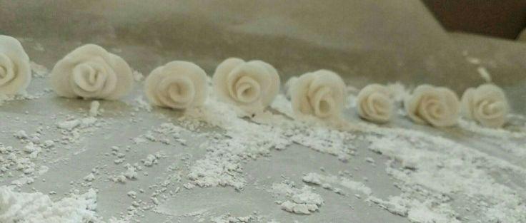 Handmade fondant roses, 8/2016