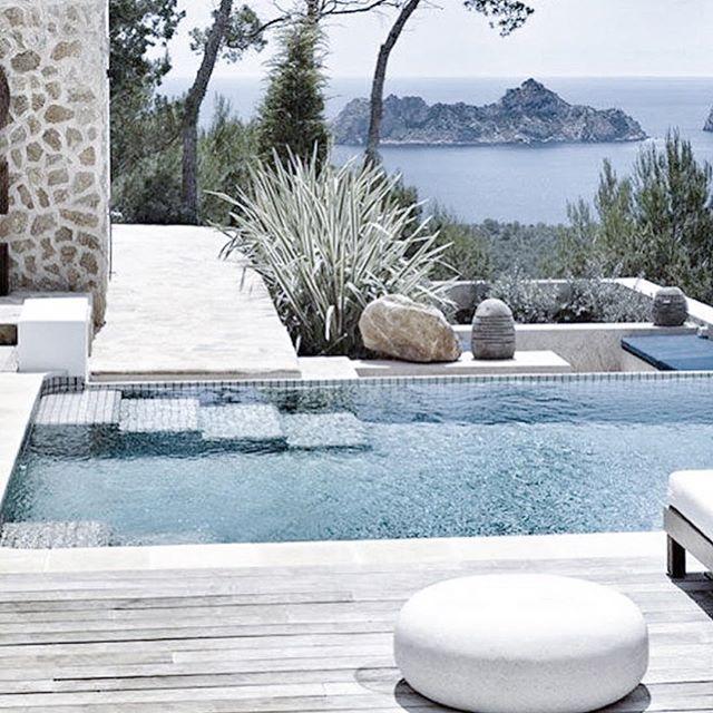 Yes please! #thebeachpeople #poolside #luxe via @hopeandmay