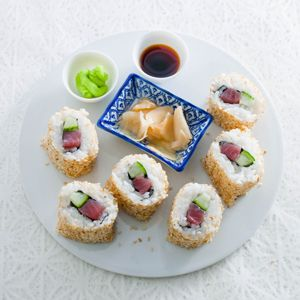 Recept - Urumaki sushi (inside out roll) - Allerhande