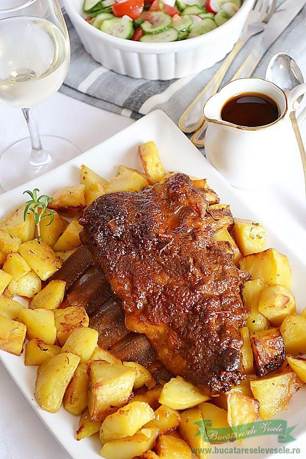 Reteta Costite cu Sos Barbeque,o friptura delcicioasa ce se poate prepara nu doar la gratar ci si la cuptor.Preparare friptura Costite cu Sos Barbeque.