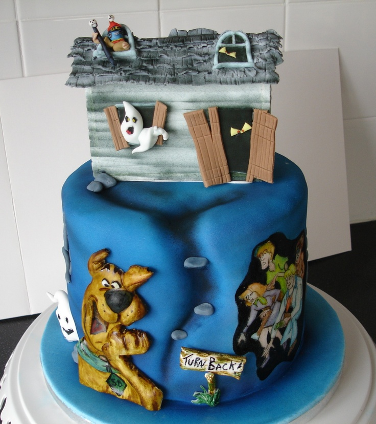 Scooby Doo Cake.Edible Decorations made by Lisa's Cakes.Hand painted scooby gang . www.facebook.com/LisasCakeCreations