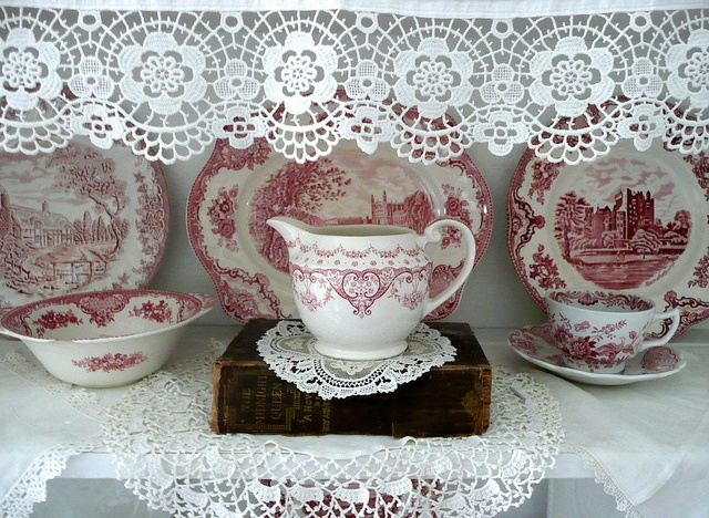 Red transferware dishes.China Display, Transferware Dishes, Red Transferware, Red Transferwear, Pretty Dishes, Red Dishes, White China, Pink Transferware, Families Bible