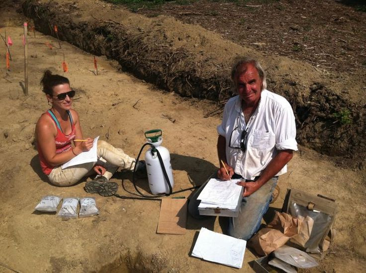 Professor Kevin McBride, at right, and volunteer Allison Malloy, work on an archaeological dig on Corn Neck Road. Photo by Jenna Mead