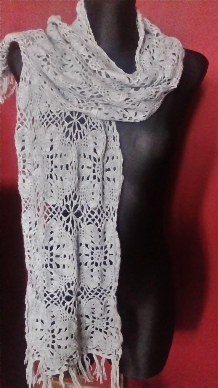 ażurowy szal wykonany szydełkiem autorstwa Anna Borowczyk