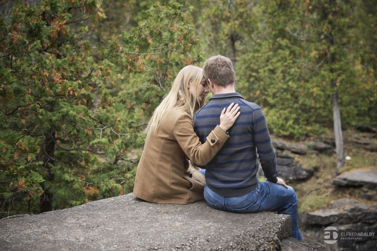 Rockwood Conservation Area Engagement Photography | Victoria & Lee