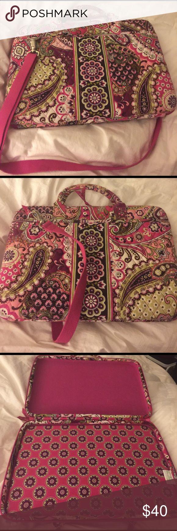 Vera Bradley laptop bag Very berry Paisley print laptop bag Vera Bradley Bags Laptop Bags