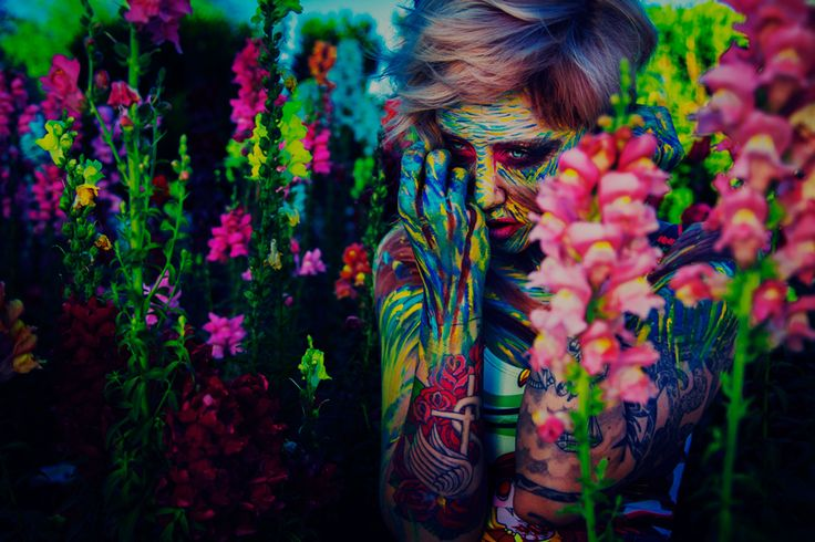 I Must Be Dead : Vibrant And Surreal Portrait Photography