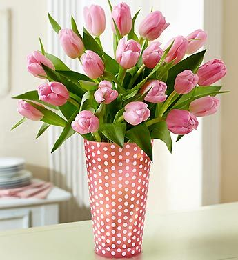 pink tulips are my FAVORITE flower! :)