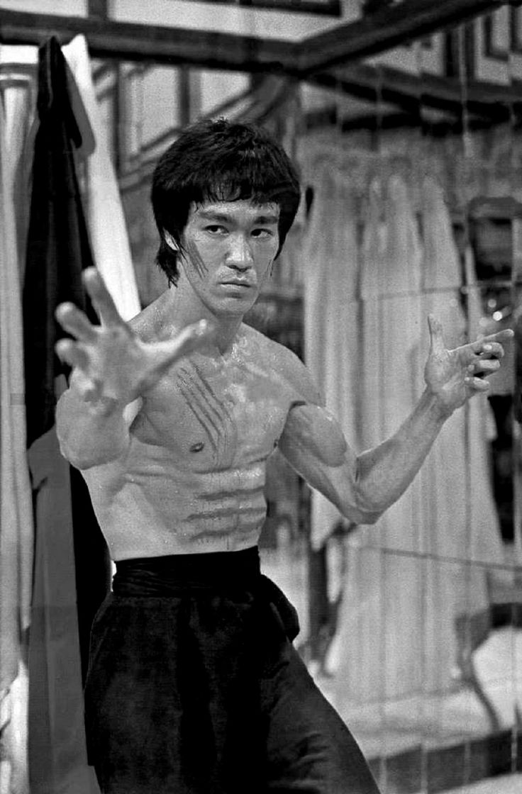 Enter the Dragon - Bruce Lee | People I Admire | Pinterest ...