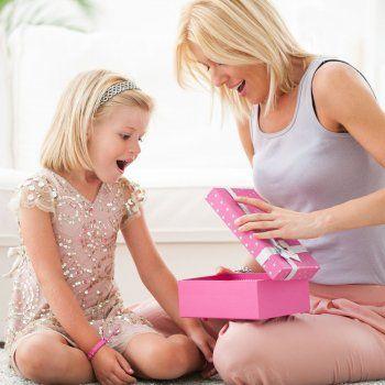 Te explicamos cómo enseñar a los niños el verdadero valor de las cosas.
